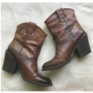 Lucky Brand • Elle Leather Cowgirl Booties